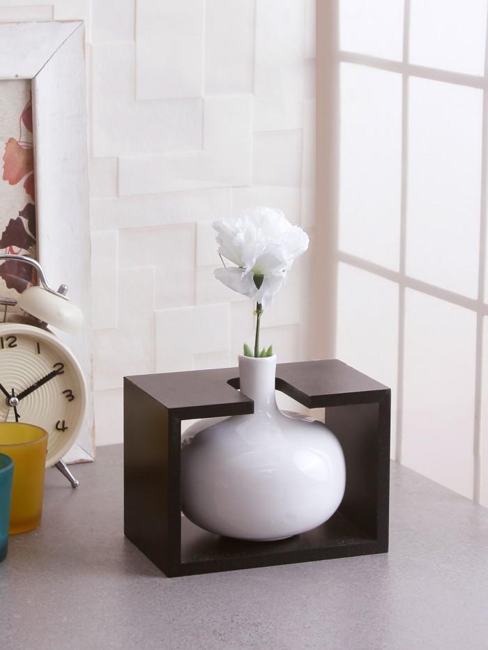 Buy FourwallsCeremic Flower Vase In Wooden Frame (14 Cm X 9.1 Cm X 13.2 Cm, White) Online