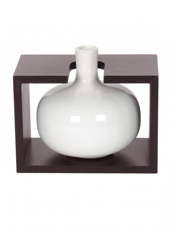Buy Fourwalls Ceremic Flower Vase In Wooden Frame (14 Cm X 9.1 Cm X 13.2 Cm, White) Online
