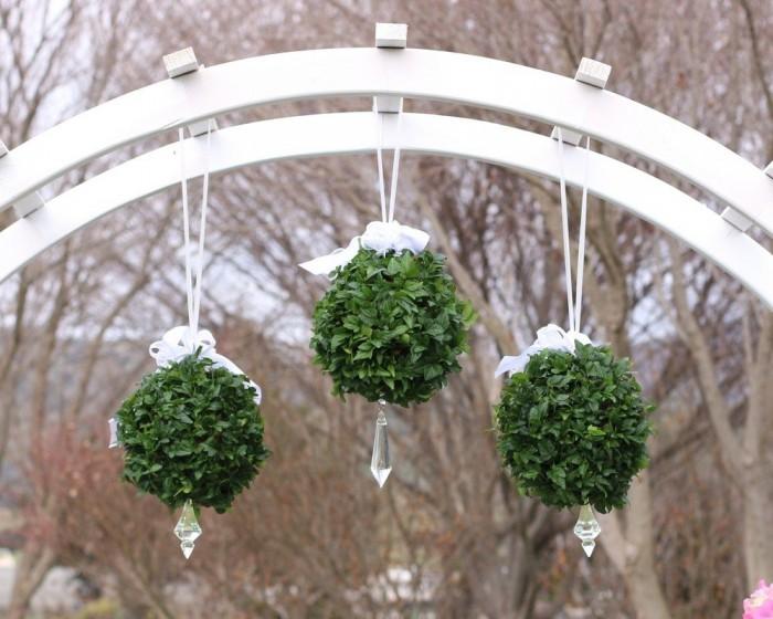 Buy Fourwalls PVC Plastic Artificial Eucalyptus Boxwood Topiary Grass Ball (18 Cm Total Diameter, Gr