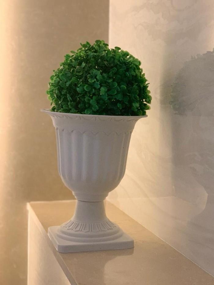 Buy Fourwalls PVC Plastic Artificial Eucalyptus Boxwood Topiary Grass Ball (28 Cm Total Diameter, Gr